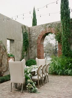 Romantic outdoor dining area and patio - Design your own outdoor dining area!  We show you how at http://gardendesignforliving.com