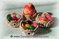 Little Easter cookie basket, Cookie art, artist Tunde Dugantsi