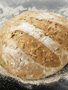 Teljes kiőrlésű kenyér otthon sütve | femina.hu