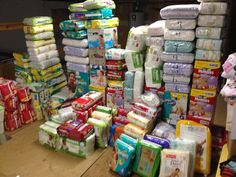 I love looking at this and knowing that with coupons I hardly paid for them. My baby girl will be here in 3 weeks and shell be ready to go! - Page 3 Diaper Stockpile, Baby Gadgets, Preparing For Baby, Baby Necessities, Baby Supplies, Baby Center, Everything Baby, Rainbow Baby, First Baby