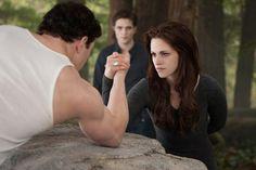 Emmett and Bella arm wrestling match - THE TWILIGHT SAGA: BREAKING DAWN - PART 2