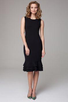 Dzianinowa sukienka o długości midi w kolorze czarnym