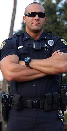 Cop Uniform, Police Uniforms, Men In Uniform, Police Officer Uniform, Scruffy Men, Handsome Guys, Hot Cops, Police Life, Hunks Men