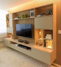 [New] The 10 Best Home Decor (with Pictures) - Home theater projetado com linhas suaves acabamentos Salas Home Theater, Home Theater Design, Home Room Design, Modern Tv Room, Modern Tv Wall Units, Modern Living, Built In Tv Wall Unit, Minimalist Living, Living Room Wall Units