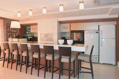 20 Cozinhas com churrasqueiras modernas - veja modelos e dicas para ter um espaço gourmet dentro da sua casa/apartamento!