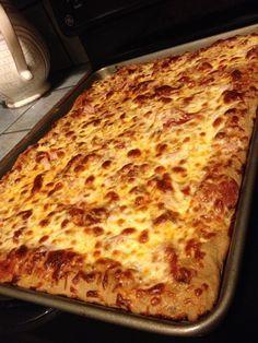 Beer Crust Pizza. My new favorite pizza crust. No yeast or food processor needed