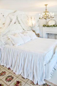 White Ruffle Bedding, Ruffle Bedspread, Ruffle Pillow, Coverlet Bedding, Chic Bedding, Cotton Bedding, Comforter Sets, Home Decor Bedroom, Cozy Bedroom