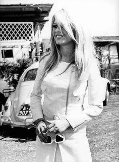 Brigitte Bardot, 1967 b/w Brigitte Bardot, Bridget Bardot, Isabelle Adjani, Catherine Deneuve, Jane Fonda, Charlotte Rampling, Jane Birkin, Hollywood Stars, Old Hollywood