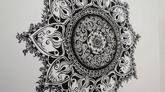 Dies ist meine dritte Zentangle Zeichnung. Ihr seht ca. 3,5 Stunden, die im Zeitraffer abgespielt werden.