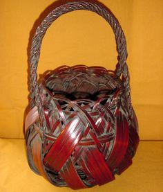Google Image Result for http://www.antiques.com/vendor_item_images/ori__1272920462_1123156_Japanese_Antique_Hanakago_Bamboo_Flower_Basket_c.1930.jpg
