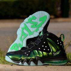 buy online f1362 c6ea4 Nike Barkley Posite Max Gamma Green