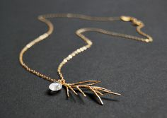 FEATHER 16k Kette mit Chalzedon von koshikira auf DaWanda.com  jewelry Schmuck Layer Look  jewelry Schmuck Layer Look