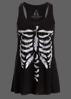 Womens Black Feather Skull Skeleton Loose Fit Muscle Tee Tank Top – Size Small Womens flowy black tank top Unique feather skeleton print Available in sizes S, M and L Made out of polyester and rayon Loose Fitting Tank Tops, Loose Tops, Cut Loose, Loose Shirts, Tee Shirts, Skull Tank Tops, Black Tank Tops, Skeleton Shirt, Skeleton Bones
