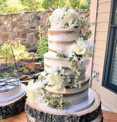 vegan naked cake from Range Free is beautiful Wedding Cake Fresh Flowers, Beautiful Wedding Cakes, Wedding Colors, Our Wedding Day, Dream Wedding, Wedding Things, Vegan Wedding Cake, Dream Cake, Wedding Pinterest