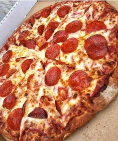 Junk Food Satisfy Your Food Cravings Here. Think Food, I Love Food, Good Food, Yummy Food, Yummy Yummy, Yummy Lunch, Yummy Snacks, Comida Pizza, Pizza Food