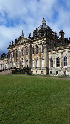 Via Twitter @Treasure_Houses the beautiful @CastleHowardEst in the splendid Yorkshire sunshine  #luxurylifestyle