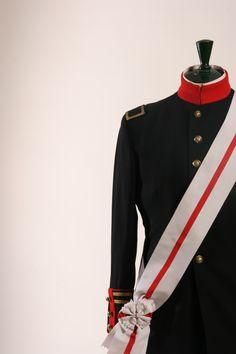 """Tirano Banderas"" Diseño de vestuario: Andrea D'Odorico Vestuario: Sastrería Cornejo #sastreriacornejo"