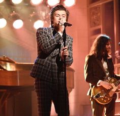 Debut de Harry Styles como solista en Saturday Night Live (Fotos y Videos) | El Blog De Akío
