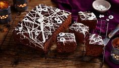 Were not going to lie, you will get sticky making this. But its perfect for a kids party where things shouldnt be too spooky!