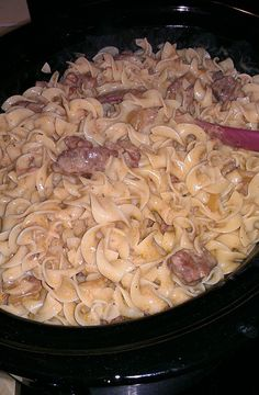 Crockpot Beef Stroganoff: Crockpot Beef Stroganoff – this was absolutely delicio… Crockpot Beef Stroganoff: Crockpot Beef Stroganoff – das war absolut lecker – Heather Crockpot Dishes, Crock Pot Cooking, Beef Dishes, Rice Dishes, Pasta Dishes, Slow Cooker Recipes, Crockpot Recipes, Cooking Recipes, Yummy Recipes