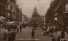Description : Busy street. Collection : W Printed Copy : If you would like a printed copy of this image please contact Newcastle Libraries www.newcastle.gov.uk/tlt quoting Accession Number : 057802