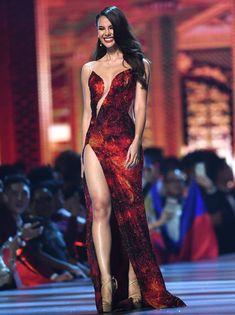 Miss Universe 2018 Finale Red Gown Pretty Outfits, Pretty Dresses, Sexy Dresses, Prom Dresses, Sexy Gown, Fashion Moda, Grey Fashion, Look Fashion, Fiona Erdmann