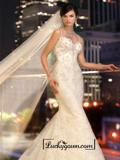 Spaghetti Staps Slim-line Beaded Lace Appliques Low Back Wedding Dresses