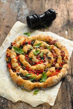Dorian cuisine.com Mais pourquoi est-ce que je vous raconte ça... : Et si aujourd'hui je me torsadais la pizza ??? Pizza torsadée jambon et tutti quanti !