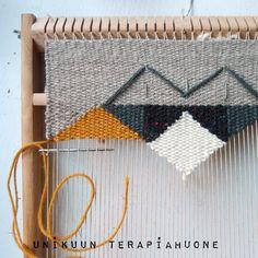 Unikuun terapiahuone on tekstiilisuunnittelua opiskelevan käsillätekijän muistikirja siitä mitä kaikkea onkaan tullut tehtyä.