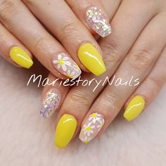 0 mentions J'aime, 1 commentaires – MariestoryNails (@mariestorynails) sur Instagram : « #yellownails #summernails #flowernails #glitternails #nailart #nailartlove #nailtech #nailpro… »