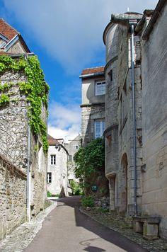 18 pueblos medievales que se ven de cuento a poco de París (Parte 1)