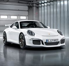 Gorgeous Porsche 911 GT3. Car of the year 2013? Find by clicking on the pic!