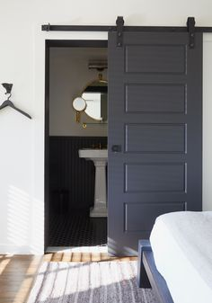 the little house in the city: Apartment Renovation: Barn Door Solution Das kleine Haus in der Stadt: Sliding Barn Door Hardware, Sliding Doors, Rustic Hardware, The Doors, Small Doors, Apartment Renovation, Apartment Door, Bathroom Doors, Paint Bathroom