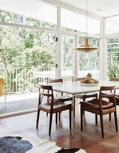 Top Ten Australian Homes of 2016 · Louise and Graeme Bell — The Design Files Dining Room Sets, Dining Room Design, Dining Chairs, Wood Chairs, Dining Area, Mid Century Dining, Mid Century House, Blueberry Home, Interior And Exterior