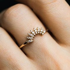 Newest Cost-Free Gold Diamond Cote D'Azur Ring Style Are you trying to find cheap wedding bands? At EFES you'll find wedding rings from Nuremberg. Gold Knot Ring, Gold Rings Jewelry, Gold Bracelets, Gold Earrings, Couple Bracelets, Indian Earrings, Dainty Jewelry, Leather Jewelry, Bridal Earrings