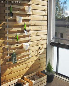 Tyttö touhuaa: Ikea hack: Luröy-sälepohja parvekkeelle