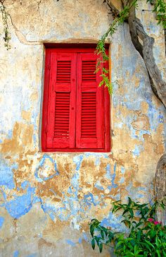 Gorgeous old weathered windows and walls. Beautiful Buildings, Beautiful Places, Places Around The World, Around The Worlds, Athens Greece, Painted Doors, Vacation Places, Beautiful Islands, Greek Islands