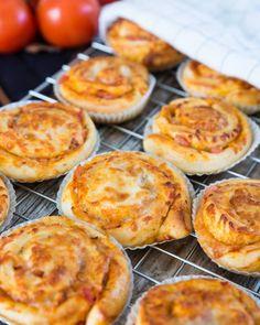 Pizzabullar med Mozzarella | Fredriks fika Food N, Food And Drink, Grilled Sandwich, Fika, Mozzarella, Sandwiches, Lunch Box, Brunch, Tasty