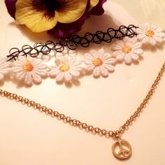 Shop Women's Gold Black size OS Necklaces at a discounted price at Poshmark. Cute Choker Necklaces, Gold Necklace, Pendant Necklace, 90s Fashion, Womens Fashion, Fashion Tips, Fashion Trends, Chokers, Cosmetics