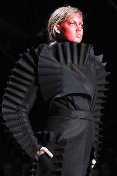 Futuristic Felt Fashion : Viktor Rolf Fall 2011