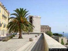 Un luogo ideale per gustare qualcosa di fresco ammirando il panorama di Cagliari. (Via Santa Croce - CA)