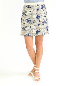 #Юбка #Hartford из вискозы с добавлением шелка. Крупный цветочный #принт уже несколько сезонов подряд остается одной из главных тенденций летнего сезона. С однотонным верхом: топом, жакетом, блузкой, юбка создает нежный романтический образ. Skirts, Fashion, Moda, Fashion Styles, Skirt, Fasion, Skirt Outfits, Dresses