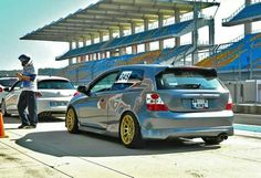 EP3... Honda Hatchback, Honda Crv, Toyota Starlet, Honda Civic Type R, Japan Cars, Car Manufacturers, Cars And Motorcycles, Wheels, Metallic