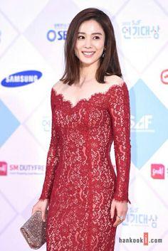 Kim Hyun Joo at the SBS Drama Awards 2015 red carpet. Korean Actresses, Actors & Actresses, Moon Geun Young, Gong Seung Yeon, Namgoong Min, Kim Rae Won, Korean Shows, Star Awards, New Star