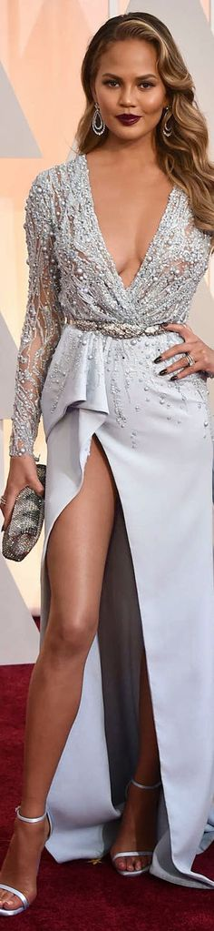 2015 OSCAR RED CARPET CHRISSY TEIGEN / Chrissy Teigen in Zuhair Murad