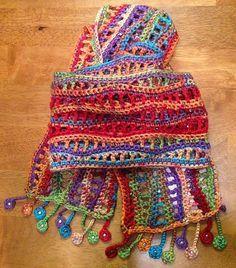 Ondas mexicanas Scarf encontrado em cima da Illuminate Crochet.  Tal projeto bonito!  O padrão original - Nancy & rsquo; s Waves Scarf por Cori Dodds