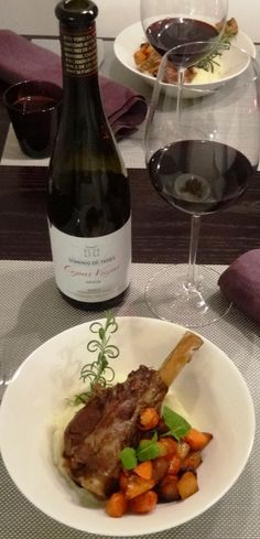 I have been lazy that I have not been written about wines tasted and enjoyed. This will change 2015! I was planning to purchase Spanish red wine for lamb and original intention was to buy Aalto win...