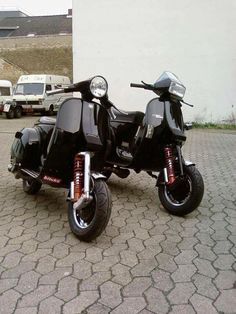 Piaggio Vespa, Lambretta Scooter, Scooter Motorcycle, Vespa Scooters, Harley Davidson Motorcycles, Cars And Motorcycles, Scooter Garage, Vespa Px 150, Lml Star