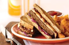 Steakhouse Grillers Prime Patty Melt - can use veggie burgers or ground poultry Patty Melt Recipe, What A Burger, Burgers And More, Sandwich Fillings, Wrap Sandwiches, Beef Dishes, Fun Cooking, Savoury Dishes, Winter Food