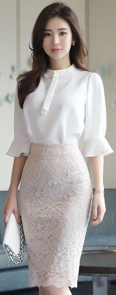 StyleOnme_Full Lace Knee-length Pencil Skirt #cream #lace #springtrend #koreanfashion #kstyle #kfashion #feminine #elegant #seoul #skirt